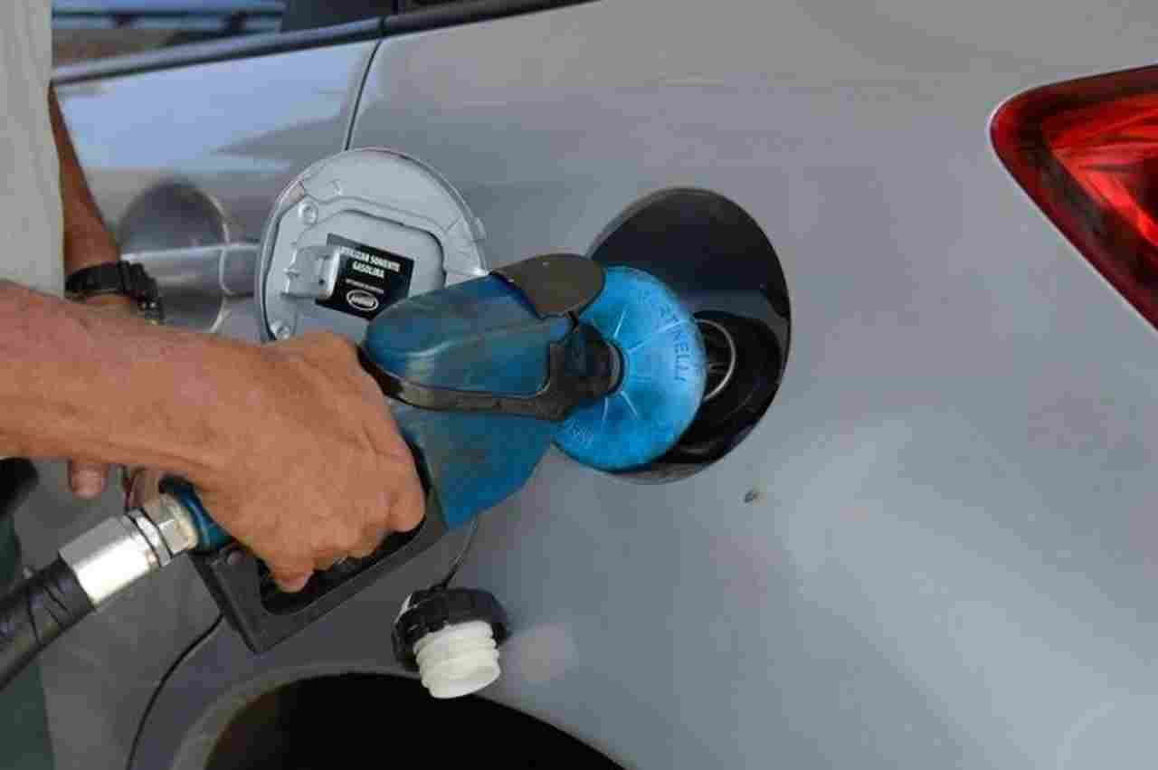Nova redução nos preços da gasolina e do diesel. Quando chegará às bombas?