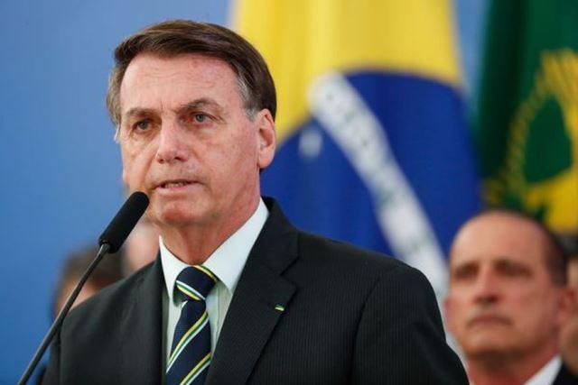 Bolsonaro contraria AGU e diz que recorrerá para ter Ramagem na PF 'Quem manda sou eu'