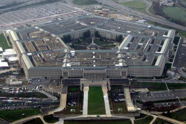 Pentágono divulga oficialmente vídeos de 'OVNIs' filmados por pilotos dos EUA