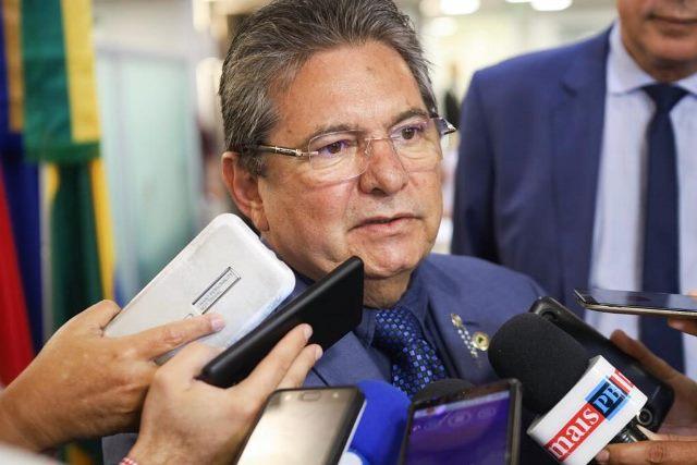 """Adriano Galdino rebate críticas sobre aprovação de decretos de calamidade """"não é cheque em branco"""""""