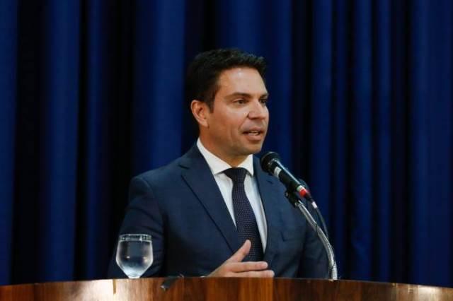 Alexandre de Moraes suspende nomeação de Ramagem para a PF