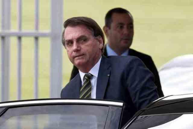 Bolsonaro vai ao HFA