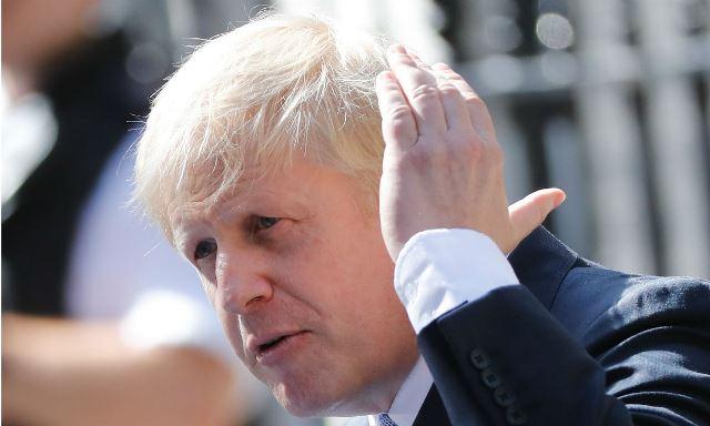 Boris Johnson deixa hospital uma semana após internação por covid-19