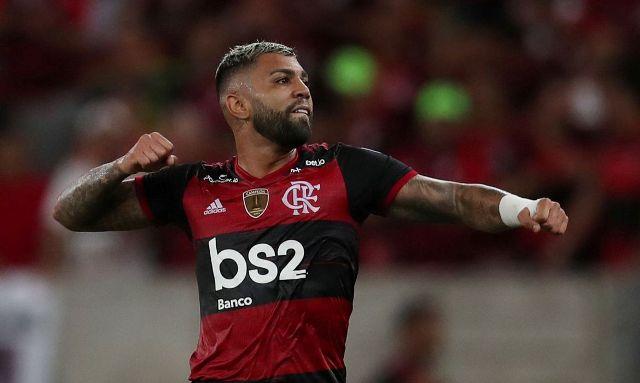 Flamengo libera marca para máscaras