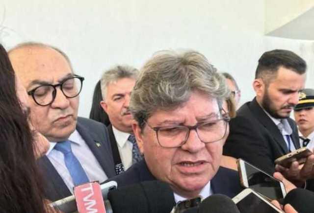 Governador acredita que há possibilidade de eleição ainda ser realizada em outubro se curva do coronavírus entrar em queda