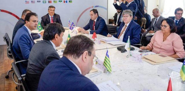 Governadores emitem carta conjunta contra Bolsonaro e a favor do Congresso