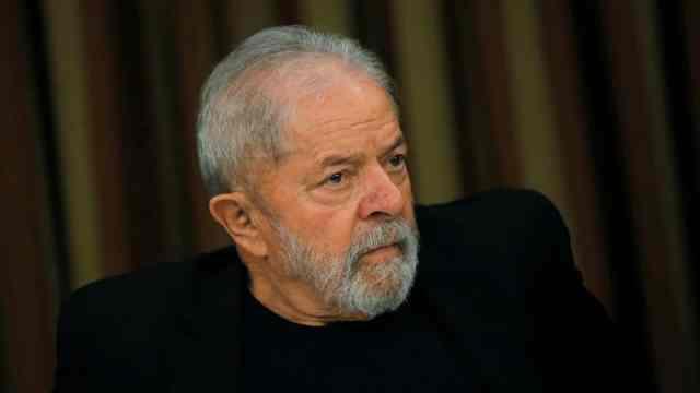 Lula critica falta de respeito de Bolsonaro às vítimas da Covid-19