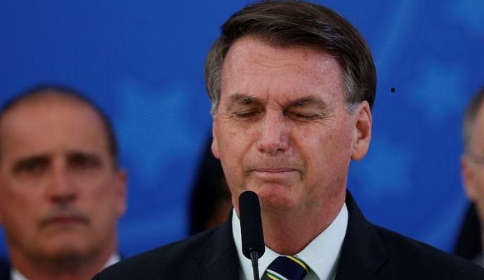 Bolsonaro nega interferência na PF