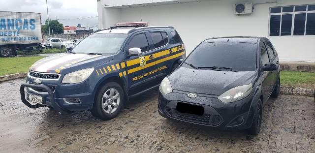 PRF na Paraíba recupera sete veículos roubados em apenas um dia