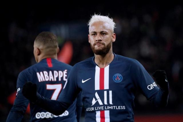 PSG prepara salário 'astronômico' para tentar renovar com Neymar até 2025