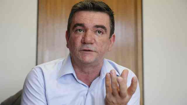Andrés admite que Corinthians exagerou em contratações