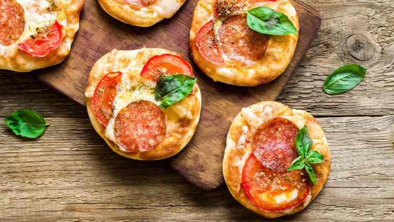 Aprenda a fazer deliciosas mini-pizzas de liquidificador