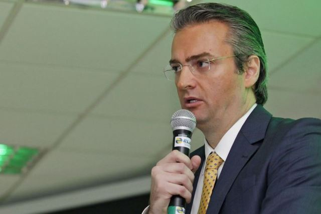 Bolsonaro nomeia Rolando Alexandre de Souza para diretor-geral da Polícia Federal