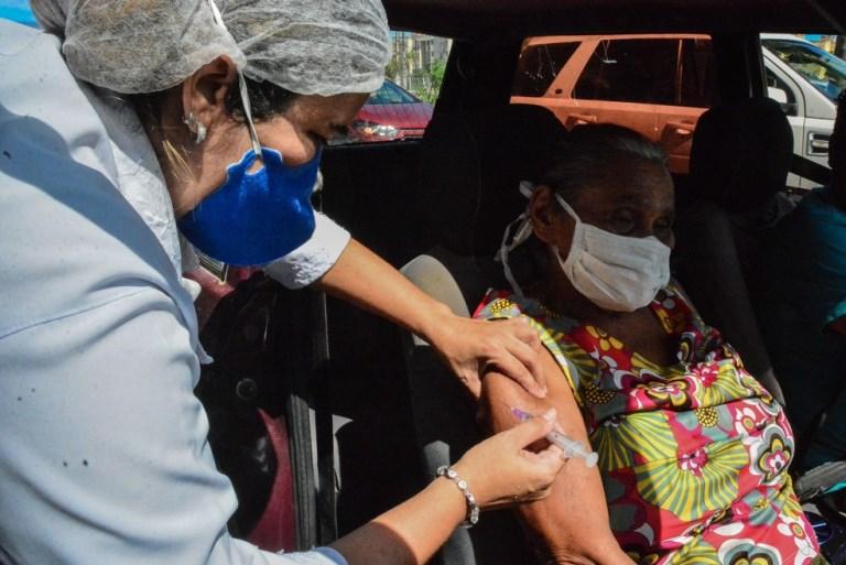 Campanha de vacinação contra a gripe em João Pessoa encerra 'drive thru' nesta quinta