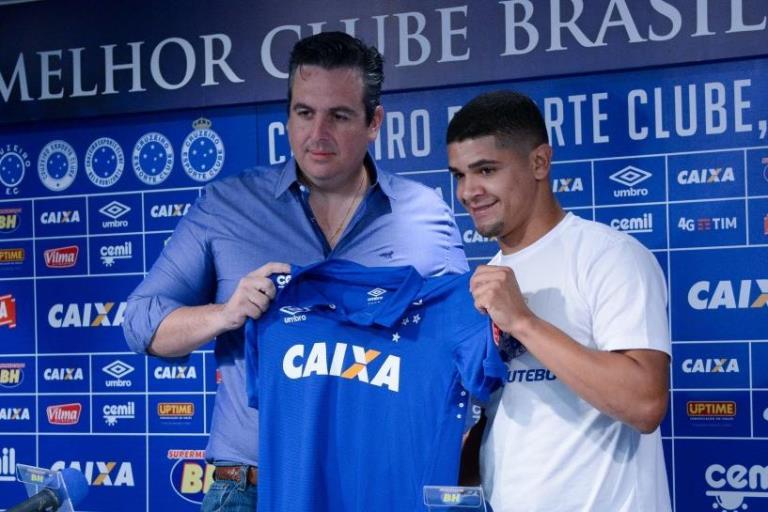 Dívida por Denilson ainda pode rebaixar o Cruzeiro para a Série C; entenda