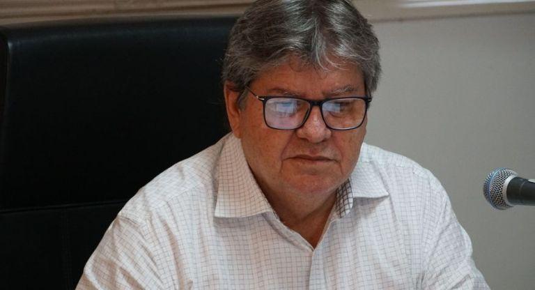 João Azevêdo anuncia 60 mil cestas básicas para famílias