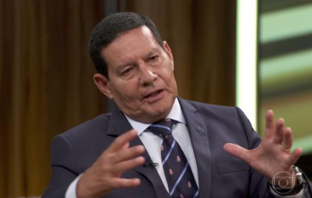 'Sou contra covardia e agredir quem está fazendo seu trabalho não faz parte da minha cultura', diz Mourão