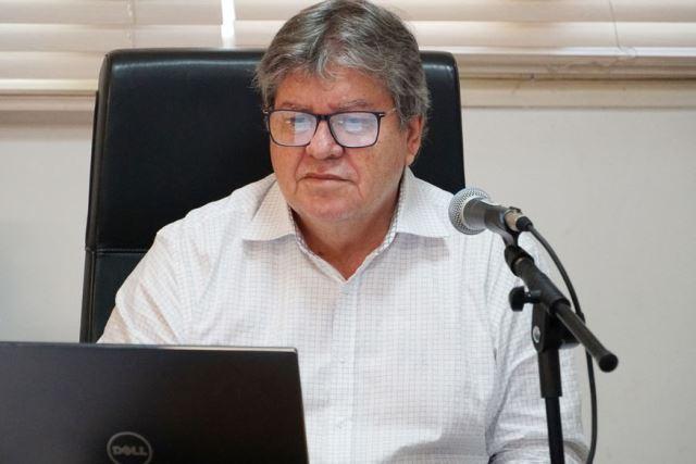 """""""Vamos avaliar"""", diz governador João Azevêdo sobre lei que reduz mensalidade escolar na Paraíba'"""