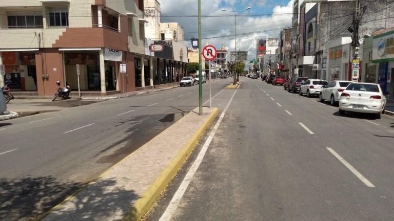 Comércio de Sousa, PB, reabre após prefeitura determinar flexibilização nas medidas restritivas