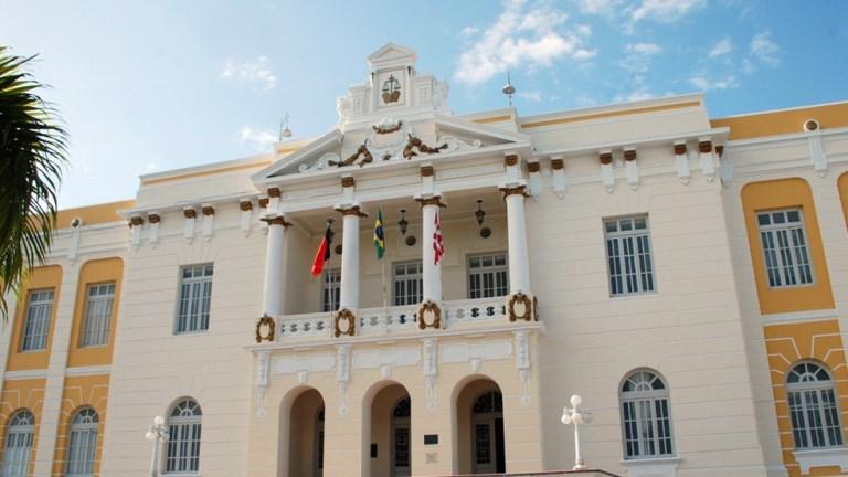 Justiça determina redução de 25% em mensalidades para alunos de curso de medicina, na Paraíba