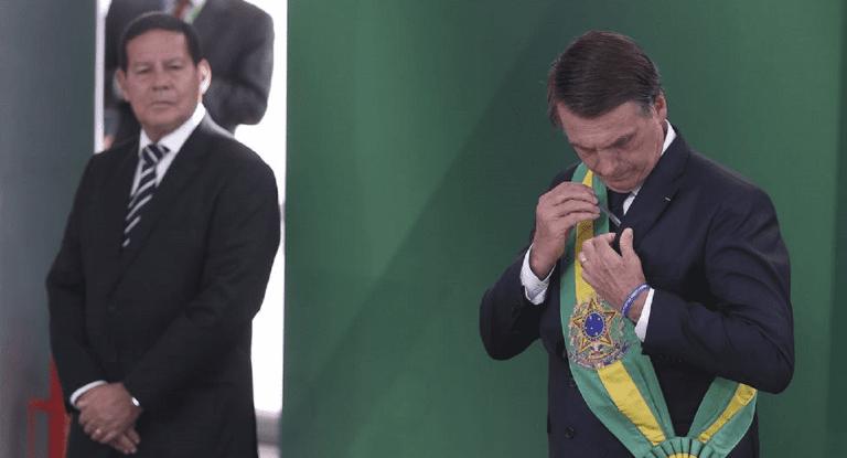 TSE julga nesta terça-feira ações que podem cassar Bolsonaro e Mourão