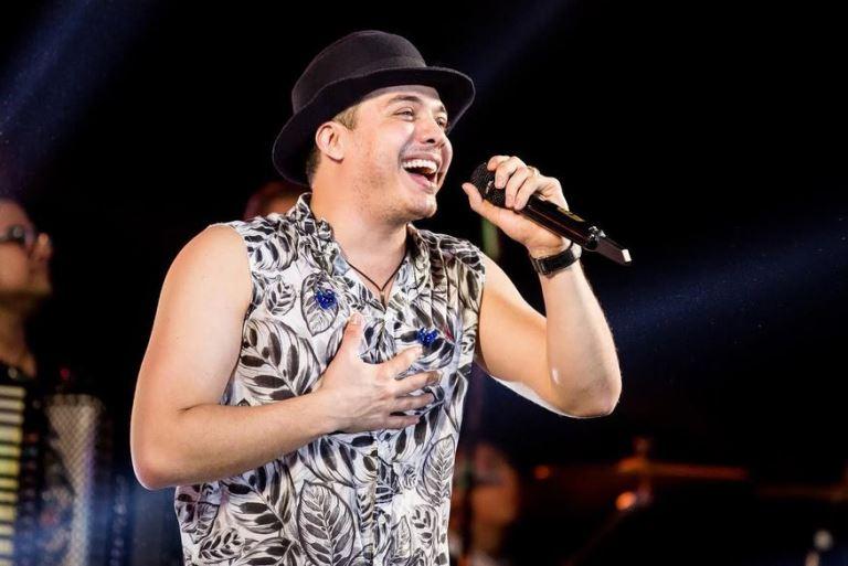 Wesley Safadão e Luan Santana farão live de São João em Campina Grande com participações de Raí Saia Rodada e Dorgival Dantas