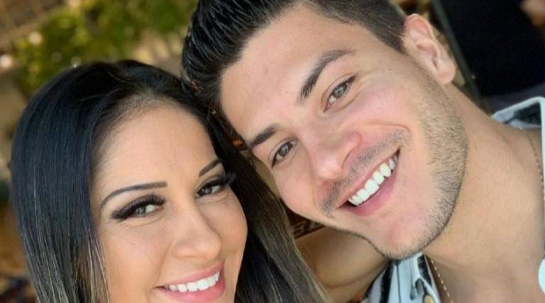 A gente não voltou', diz Mayra Cardi após ser vista com ex em mercado