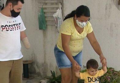 Após perder os braços um dia antes do nascimento do 1º filho, homem tenta conseguir próteses