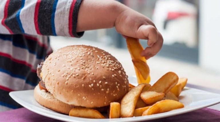 Risco de obesidade infantil aumenta durante quarentena