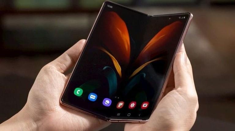 Samsung revela detalhes do dobrável Galaxy Z Fold 2